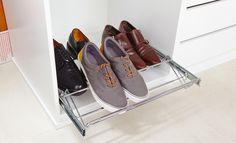 Con los accesorios adecuados es posible tener tus zapatos a la vista y  accesibles para una mayor comodidad. - Leroy Merlin