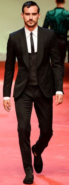 stand out in a shawl collar tux, Dolce & Gabbana SS 2015 // menswear style + fashion