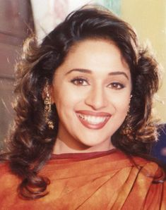 Мадхури Дикшит Нене | Madhuri Dixit Nene's photos Bollywood Fashion, Bollywood Actress Hot, Beautiful Bollywood Actress, Most Beautiful Indian Actress, Bollywood Celebrities, Bollywood Actors, Bollywood News, Madhuri Dixit Young, Madhuri Dixit Saree