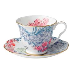 The latest addition to the Wedgwood Harlequin Tea Story, the Butterfly Bloom Spring Blossom cup & saucer feature vintage-inspired colors, patterns and shapes finely detailed on bone china with elegant