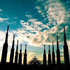 Come esuli pensieri nel vespero migrar... #Milano #Milan #milanocityufficiale #milaninsight #milanodavedere #milanodaclick #milanocityofficial #loves_milano  #igersmilano #ig_milan #cittadimilano #turismomilano #loves_united_lombardia  #igers_lombardia #vivolombardia #volgolombardia #italian_places #Italia #italy #loves_world #loves_italia #milano_forever #loves_madeinitaly #vivomilano #sky #clouds #ig_europe #loves_europe by andrea_gabrielli