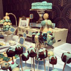 Sweet Dreams. Mesa de postres para el bautizo de Pablo. Macarons, Cake Pops y Nubes de chocolate