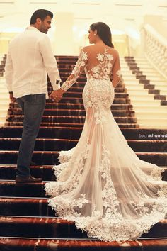 Love the wedding dress, so nice.