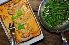 Fläskytterfilé i krämig timjansås - LCHF Recept - Ketolibrary.com Keto Recipes, Healthy Recipes, Lchf, Keto Transformation, Seaweed Salad, Lasagna, Low Carb, Healthy Lifestyle, Curry