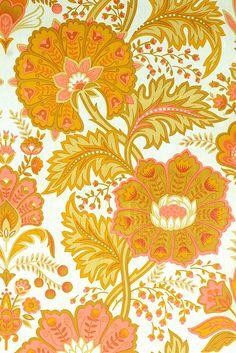 Pink Paisley Wallpaper