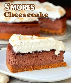 S'mores Cheesecake - all the delicious bliss of your childhood favourite S'mores in a grown up cheesecake! Outstanding.
