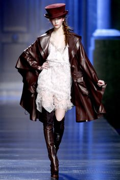 Christian Dior Fall 2010 Ready-to-Wear Fashion Show - Karlie Kloss (IMG)