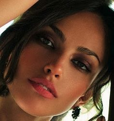 perfect eyebrows. Madalina Ghenea