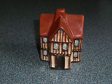 Red No. 12 Tudor Wool Merchant's House