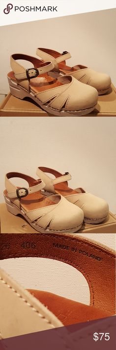 Dansko Nursing Clog shoes, size 7.5 Gently used Dansko shoes, comfy,leather,cute. Dansko Shoes Mules & Clogs