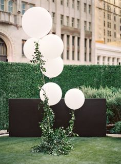 """You might recognize her as the Texas fashion blogger behind Murphy's Law, and today Lauren is stopping by to share her wedding day photographed by Lauren Peele. I'm deeming their rooftop affair """"classic with a crisp, modern twist,"""" and it has everything to"""