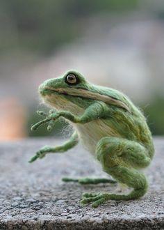frneedle felted frog by daria.lvovsky, via Flickr