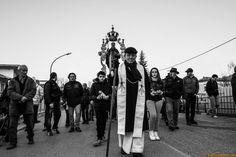 La processione prima dell'accensione delle farchie di Fara Filiorum Petri | L'Abruzzo è servito | Quotidiano di ricette e notizie d'Abruzzo