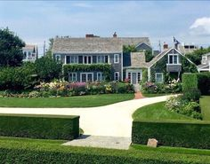 Another beautiful home and gardens located in Sconset on Baxter Road! Nantucket Island, Beautiful Homes, Home And Garden, Gardens, Mansions, House Styles, Home Decor, House Of Beauty, Decoration Home