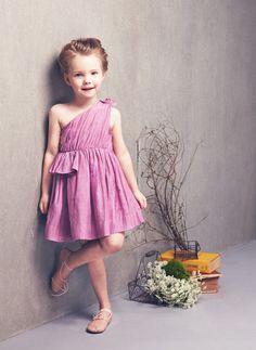 New Fashion Kids Children Girl's Wear Sleeveless One Shoulder Short Dress Little Girl Fashion, Little Girl Dresses, Kids Fashion, Girls Dresses, Flower Girl Dresses, Home Fashion, Flower Girls, Mode Rose, Stylish Kids