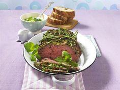 Kräuter-Roastbeef mit grüner Joghurtsoße