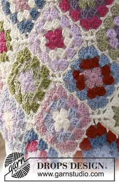 "Springtime - Crochet DROPS blanket with granny squares in ""Merino Extra Fine"". - Free pattern by DROPS Design Crochet Afghans, Crochet Motifs, Crochet Blocks, Point Granny Au Crochet, Crochet Granny Square Afghan, Crochet Squares, Granny Square Häkelanleitung, Granny Squares, Knitting Patterns"