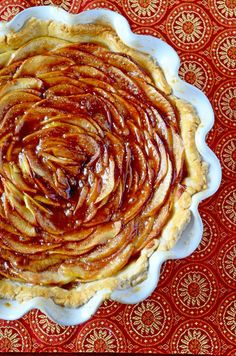 Look how beautiful this Rosette apple pie recipe is! Add this to your Fall Apple Pie Recipes collection!