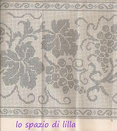 lo spazio di lilla: A gentile richiesta...: uva a filet per la tovaglia d'altare ed immagini sacre Filet Crochet, Freeform Crochet, Crochet Chart, Crochet Lace, Crochet Edgings, Burda Patterns, Knitting Patterns, Crochet Patterns, Crochet Curtains