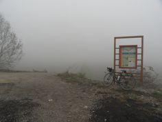 La mia bicicletta vicino a un cartello informativo sulla Ciclovia del Po in Piemonte