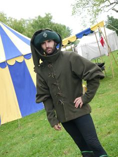 Farsetto with chaperon Medieval Fashion, Medieval Clothing, European Clothing, Male Clothing, 15th Century Fashion, 14th Century, Medieval Wedding, Medieval Gothic, Mens Garb