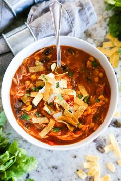 Easy Chicken Tortilla Soup Easy Chicken Tortilla Soup This recipe for Easy Chicken Tortilla Soup is a simple meal that my whole family loves. Great for a quick meal for the busy holiday season. Soup Recipes, Cooking Recipes, Healthy Recipes, Easy Recipes, Milk Recipes, Healthy Soup, Cooking Tips, Tortillas, Fall Dinner Recipes