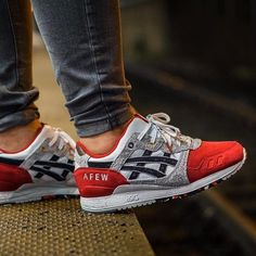 Afew x Asics Gel Lyte III 'Koi' (by – Sweetsoles – Sneakers, kicks and trainers. Asics Running Shoes, Asics Shoes, Trail Running Shoes, Running Shoes For Men, Sneakers Mode, Best Sneakers, Sneakers Fashion, Fashion Shoes, Shoes Sneakers