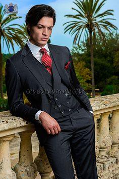 Italian bespoke single breasted suit, 2 buttons, in new performance dark gray fabric, style 1171 Ottavio Nuccio Gala, 2015 Gentleman collection.