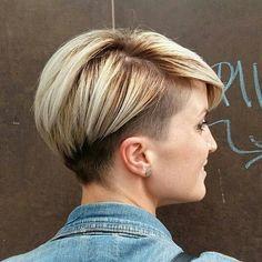 Días que tus clientas te dejan crear y salen cosas tan chulas cómo esta Nos gustan los cambios!!! Y a ti?? Te animas?? • • #cambiame #cambiodelook #hair #haircolour #haircolor #haircut #instahair #style #blondehair #blonde #blondmebattle #blondeme #nordico #hairoftheday #hairofinstagram #shorthair #shortcut #cortepelo #pelocorto #pixie #cortepixie #pixiecut #hairdresser #peluquera #peluqueria #leganes #schwarzkopfpro #schwarzkopfspain