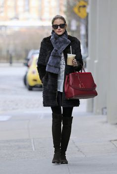 Olivia Palermo Photos - Olivia Palermo goes on an early morning coffee run, carrying her OP designer bag, in Brooklyn. - Olivia Palermo Gets Coffee Olivia Palermo Fur, Olivia Palermo Street Style, Olivia Palermo Outfit, Olivia Palermo Lookbook, Fashion Mode, Look Fashion, Fashion Outfits, Girl Fashion, Look Cool