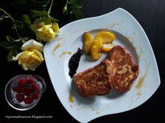 Francuskie tosty z chałki na oleju kokosowym ze smażonymi brzoskwiniami - przepis