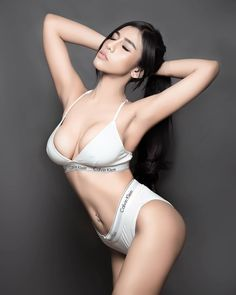 Close My Eyes, Hottest Models, Asian Woman, Bikinis, Swimwear, Eye Candy, Poses, Sexy, Cute