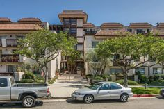 1 Bed | 1.5 Bath | 1216 sqft | CONDO | Hard to find condo with den which features new hardwood floors, open floor plan, and a private patio with tree top views.