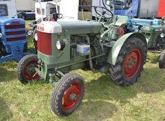 FahrTractors - Google Search Antique Tractors, Parcs, Lawn Care, Germany, Google Search, Seed Drill, Tractors, Lawn Maintenance, Deutsch