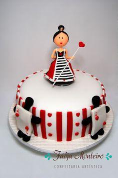 Queen of Hearts Cake #disneycakeblog