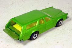 Old Vintage Cars, Vintage Toys, Childhood Toys, Childhood Memories, Hot Wheels Display, Toys In The Attic, Ho Slot Cars, Custom Hot Wheels, Corgi Toys