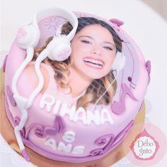 Gâteau Violetta, Anniversaire, Birthday, Cake, Gâteaux personnalisés, Fille, Rose, Mauve; Girly, Papillon, Musique, Chanson, Danse, Fan, Violetta