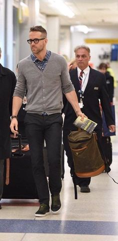 Men's casual style | Ryan Reynolds