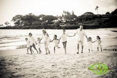 Hawaii Portrait Photographer Mauna Kea Resort http://hawaiiphotographer.com/mauna-kea-resort-family-portrait/