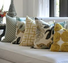 mixing pillow patterns and colors