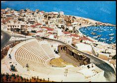 """Βεάκειο θέατρο, Πειραιάς. Φωτογραφία από το βιβλίο του Διονυσίου Πανίτσα """"Ο άρχοντας του Πειραιώς"""". Greece Pictures, Old Pictures, Old Photos, Vintage Photos, Athens, Sailing, Boat, City, World"""