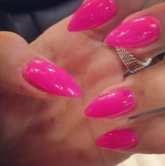 Perfect Pink Nails I would make them more almond shape! Pink Stiletto Nails, Hot Pink Nails, Pointed Nails, Pink Lips, Get Nails, Fancy Nails, Love Nails, Fabulous Nails, Gorgeous Nails