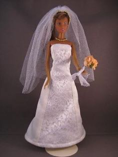 Wedding Love. €6. Zelfgemaakte Barbie kleding te koop via Marktplaats bij de advertenties van Nala fashion. Homemade Barbie doll clothes (OOAK) for sale through Marktplaats.nl Verkocht/sold