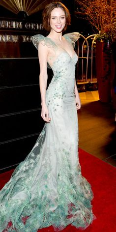 WHAT SHE WORE Coco Rocha swept into the New Yorkers for Children gala in an embroidered Zac Posen mermaid gown. WHY WE LOVE IT The model turned the red carpet into her own personal runway with a showstopping pastel design. Beautiful Gowns, Beautiful Outfits, Gorgeous Dress, Simply Beautiful, Estilo Hippie Chic, Dress Up, Dress Prom, Prom Dresses, Mermaid Gown