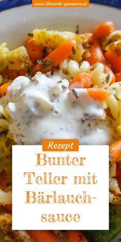 Dieser bunte Teller ist schnell zubereitet und die Zutaten können ganz nach Geschmack und Saison variiert werden. Die Bärlauchsauce gibt diesem gesunden Essen den letzten Feinschliff.