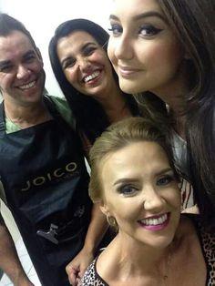 Preparos..com Ronan Cotini e Tuca ..e as belas Angelita Lima e sua filha Laura. ..