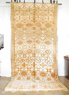 Vintage Moroccan Beni Ourain from the M.Montague Souk. Moroccan design