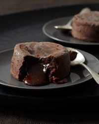 Molten Chocolate Cakes | It seems as though every restaurant in America offers a version of this amazing cake created by master chef Jean-Georges Vongerichten. But his supremely rich and chocolaty original is in a class by itself.