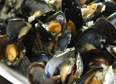 The Culinary Institute of America Food Enthusiasts :: Moules Marinière (Mussels Mariner-Style)