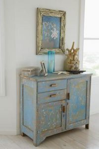 How to Paint Furniture to Achieve a Distressed Shabby Chic Look thumbnail